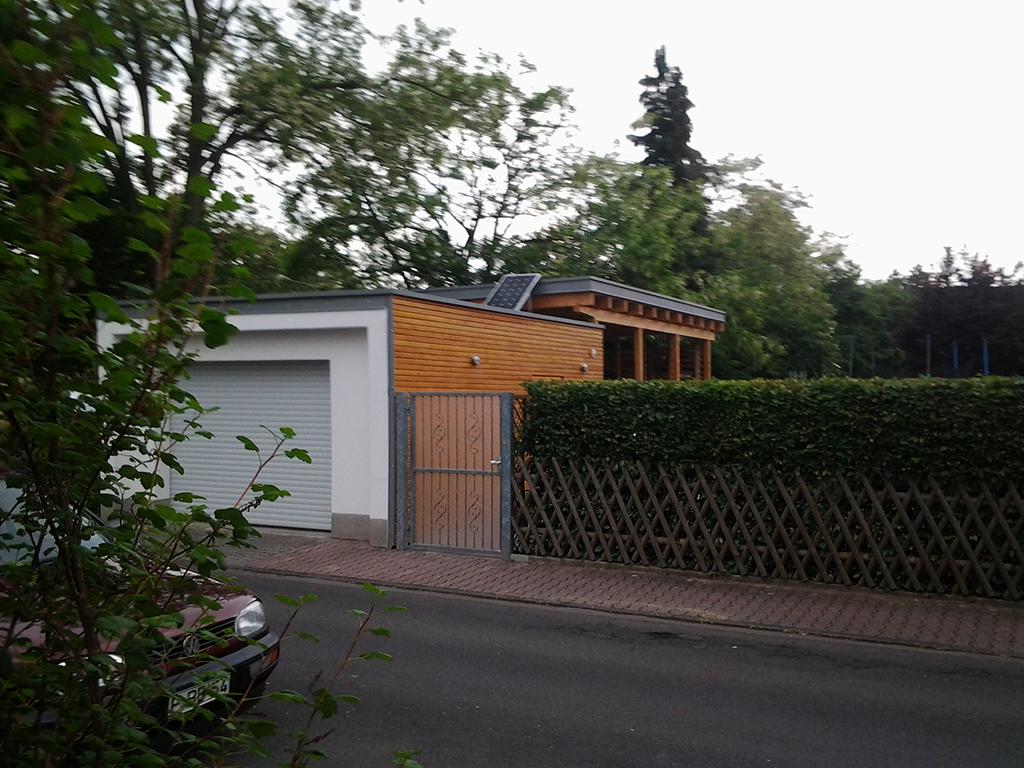 Carportanbau an bestehende Garage